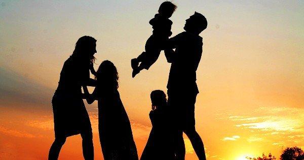 moneypapa.ru - 15 «супер привычек» финансово успешных людей - привычка 07 - Защищают семью
