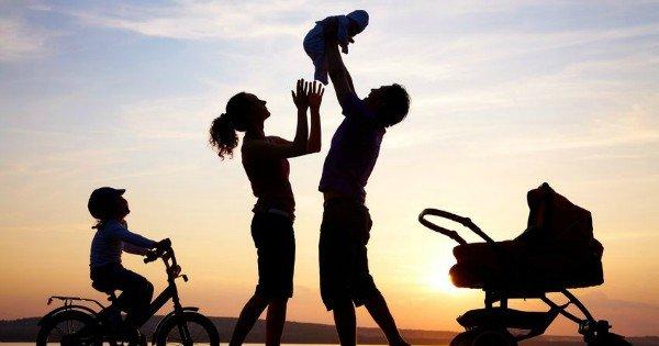 """moneypapa.ru - 20 важных жизненных уроков, которым я научился у родителей - Дети – это важная """"инвестиция"""""""
