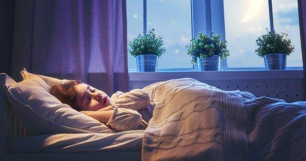 moneypapa.ru - Научите детей спать ночью без включенного света