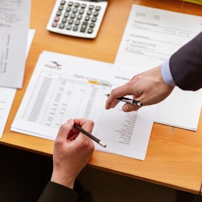 В чем разница между рефинансированием и реструктуризацией кредита?